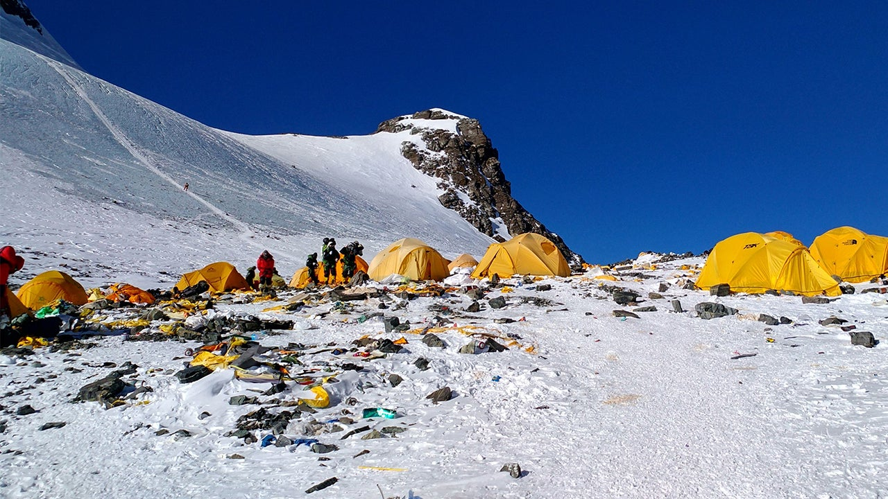 Mount Everest Cleanup Sherpas Remove More Than 3 Tons Of