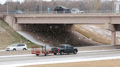 Traffic on I-35 at the 33rd street bridge in Edmond Sunday, Nov. 24, 2013. (Doug Hoke/The Oklahoman)