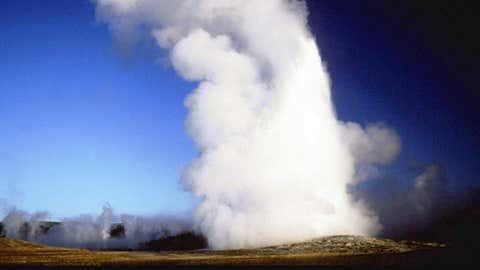 Old Faithful erupting, Yellowstone National Park, Wyoming. (Thinkstock)