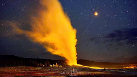 Photographer Jeff Berkes captured a total lunar eclipse behind the Old Faithful geyser in Yellowstone National Park. Here, at approximately 9:20 p.m. on Sept. 27, 2015, the moon continued in maximum eclipse, as the light faded away. (http://www.jeffberkes.com/Jeff Berkes Photography)