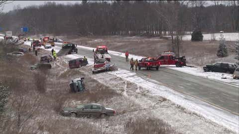 A multi-vehicle accident along US Highway 131 near Grand Rapids, Michigan. (Courtesy of Fox 17)