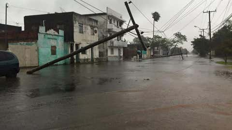 Severe weather is seen near Uruguaiana, a municipality in Brazil near the border of Argentina, Nov. 19, 2015. (Radio Charrua AM FM, radiocharruaamfm.com.br)
