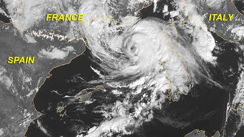 Infrared satellite image of the Nov. 8, 2011 Mediterranean tropical storm off the French Riviera. (EUMETSAT/METEOSAT)