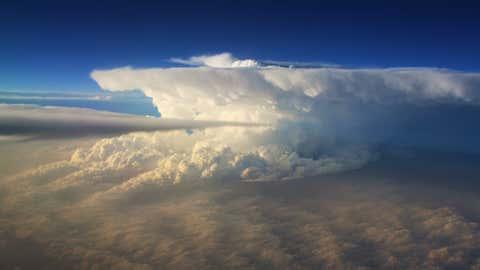 A supercell thunderstorm near the Kansas/Oklahoma border on Apr. 14, 2012. (weather.com contributor joerocks)