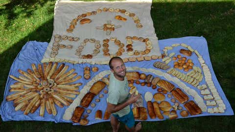 Rob's mission is to raise awareness of wasted food across America. (Rob Greenfield)