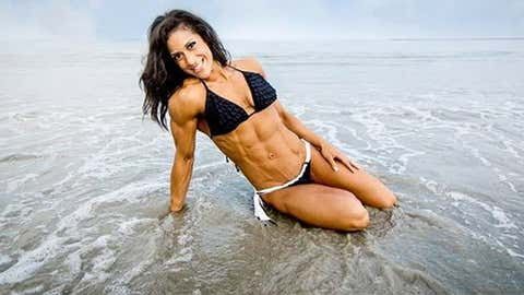 A sensible diet of whole foods and a mix of cardio and weight training are the keys to weight maintenance. That's what worked for Boston-based bikini competitor Geri, pictured. Click through for more fitspiration. (bodyspace.bodybuilding.com/gvillalona)