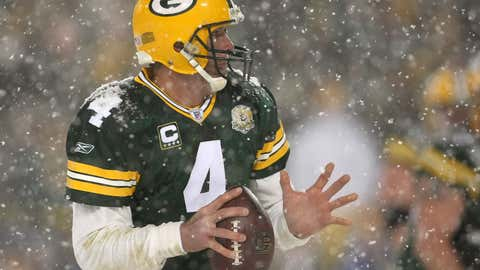Quarterback Brett Favre #4 of the Green Bay Packers scans the field against the Seattle Seahawks during the NFC divisional playoff game on Jan. 12, 2008, at Lambeau Field in Green Bay, Wisconsin. The Packers defeated the Seahawks 42-20 to advance to the NFC championship game.  (Jonathan Daniel/Getty Images)