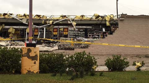 Damage to an auto parts store in Garden City, Georgia, on May 4, 2017. (WTOC TV)