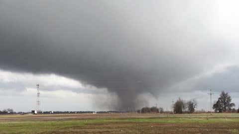 Tornado east of the Shack Up Inn outside Clarksdale, Mississippi. (Guy Malvezzi)