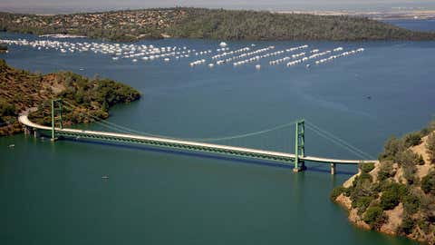 The Green Bridge passes over full water levels at a section of Lake Oroville near the Bidwell Marina on July 20, 2011, in Oroville, California. (Paul Hames/California Department of Water Resources/Getty Images)
