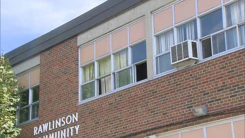 Parents of students at Rawlinson Community School are concerned about the stifling conditions in some of the classrooms due to a heat wave and construction. The school is seen on Sept. 25, 2017. (CITYNEWS Photo)