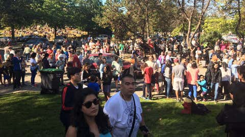 Crowds gather at the HR MacMillan Space Centre to take in the solar eclipse. (Lasia Kretzel, NEWS 1130 Photo)