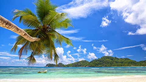 The Seychellesarchipelago is made up of 115 islands, although 99% of the population live on the largest three. The majority of the country, however, is made up of numerous coral outer islands, many of which are just small, untouched sand cays made up of powder white sand.
