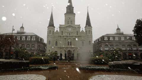 Snow falls on the St. Louis Cathedral in Jackson Square on December 11, 2008 in New Orleans, Louisiana. (Photo by Chris Graythen/Getty Images)