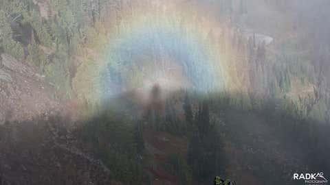 Espectro de Brocken observado sobre el Parque Nacional Mount Rainier en Washington (Radka Chapin)