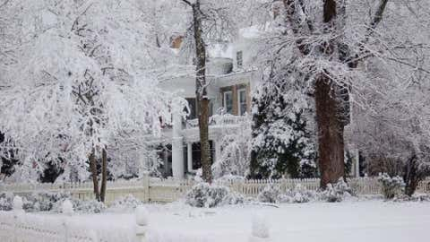 Elizabethton, located in the far northeastern Tennessee mountains, measured 20.8 inches of snow on March 18, 1936. Image: Elizabethton after a snowstorm in December 2009 from iWitness Weather contributor TINAG