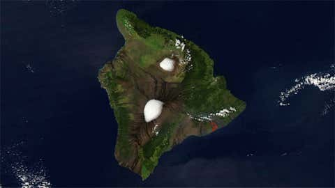 Snow in Hawaii? Yes, the upper elevations on Maui and the Big Island can both see snow. This satellite image from NASA shows the peaks of Mauna Kea and Mauna Loa on the Big Island capped in snow in Jan. 2005. That said, there are no snowfall records kept at these locations so we were unable to rank Hawaii among the rest of the states.