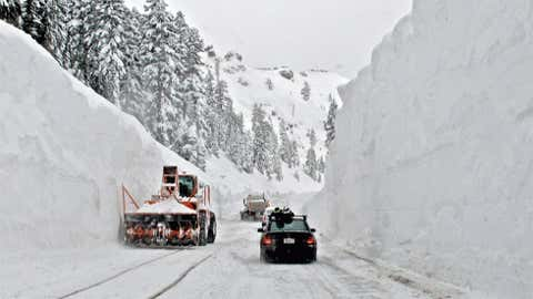 Giant Forest, Calif. in the southern Sierra Nevada recorded an amazing five feet of snow on January 19, 1933. Image: Trucks removing snow in the Sierra Nevada. From iWitness Weather contributor sf skier