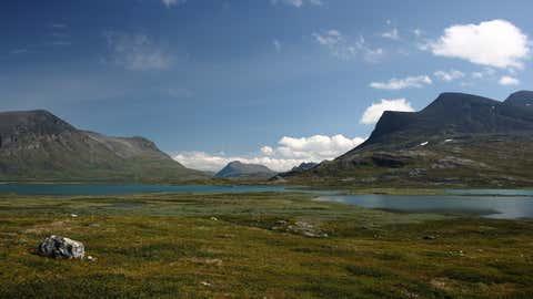 Die optimale Reisezeit für Badeurlauber und Outdoorsportler liegt für den Süden Schwedens zwischen Mai und September.