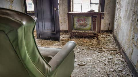 A strange scene is left behind in an abandoned Pennsylvania home. (Liz Roll)