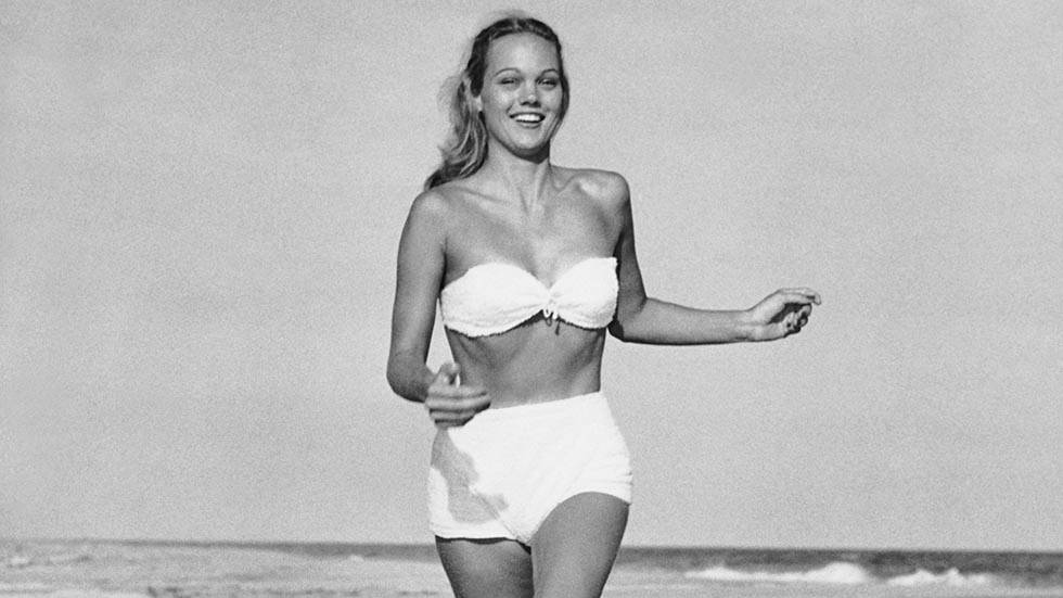 Before the Bikini: Vintage Beach Photos
