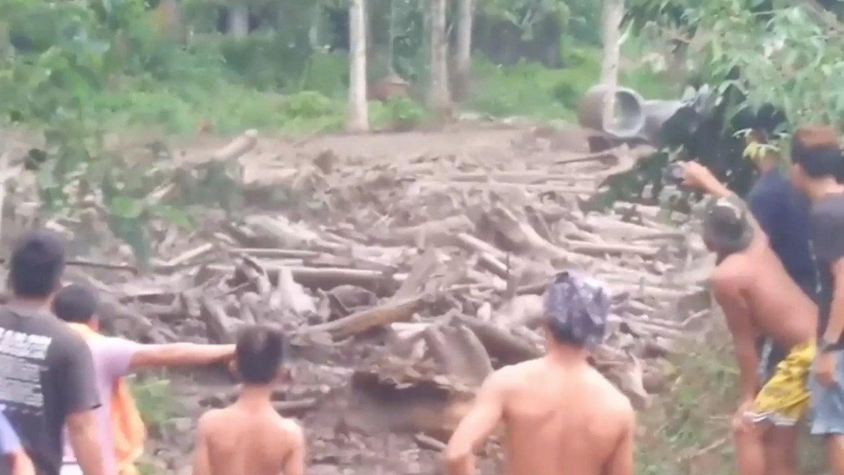 Stunning Debris Flow in Philippines After Saudel's Downpours