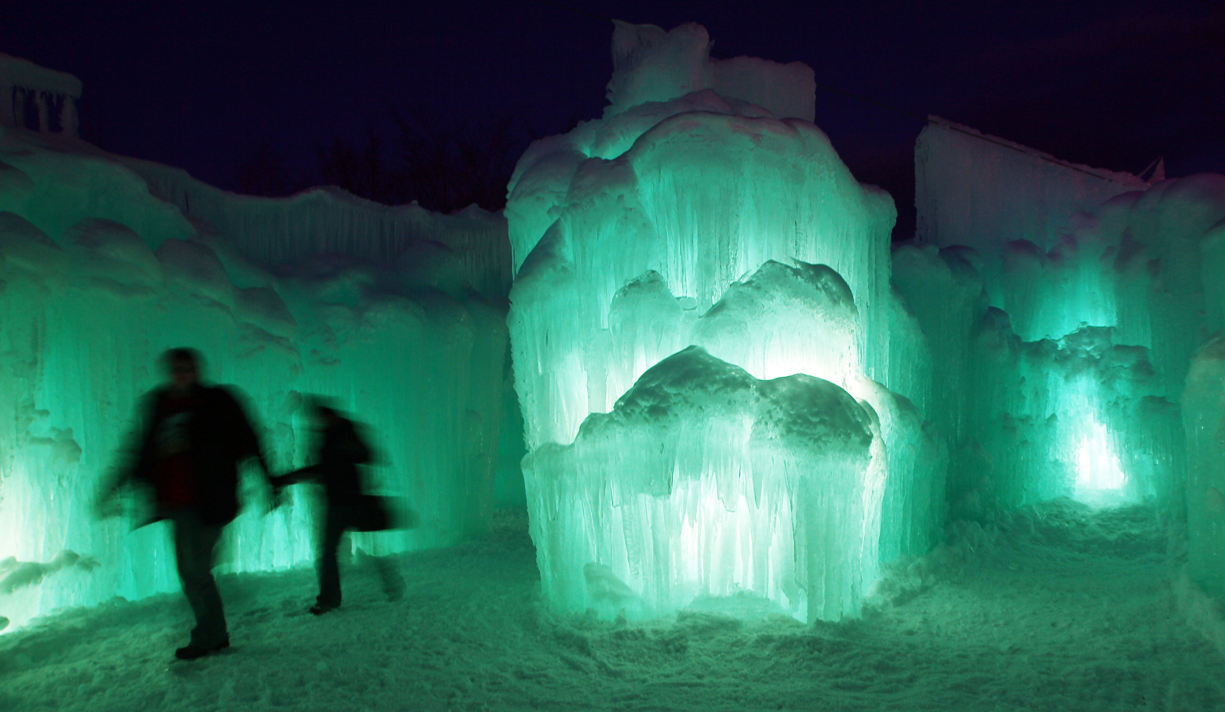 Ice Castles Become Tourist Attractions In New Hampshire
