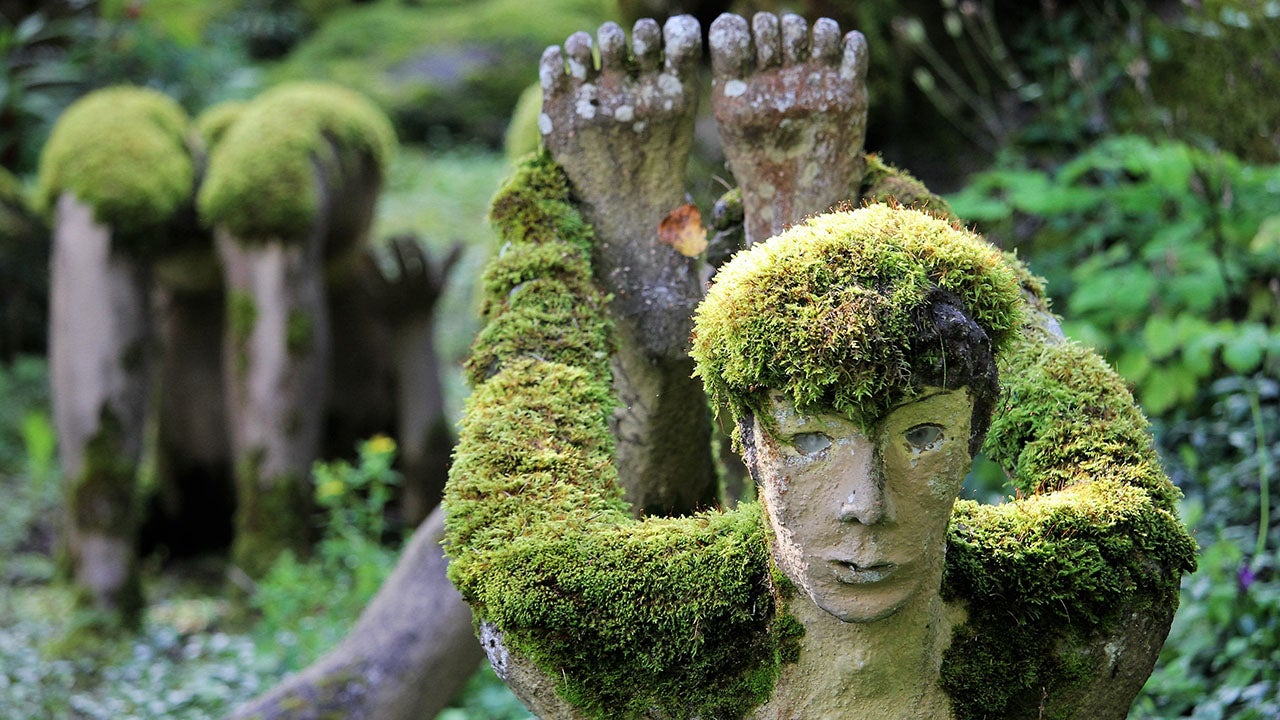 A Finnish Factory Worker Dies, Leaving Behind a Wonderland Sculpture Garden (PHOTOS)