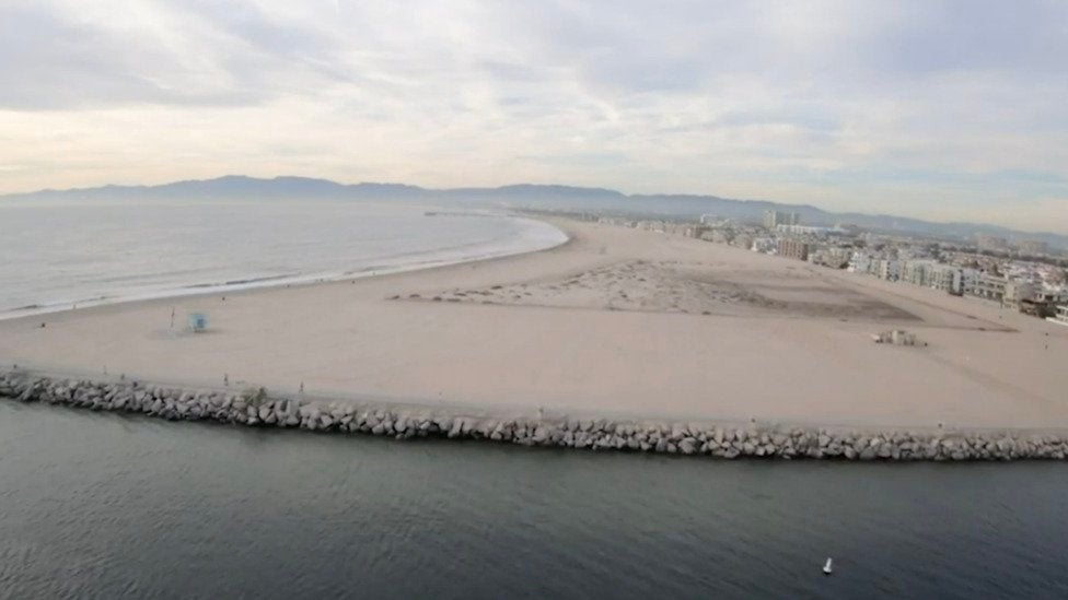 Sewage Spill Forces Los Angeles-Area Beaches to Close