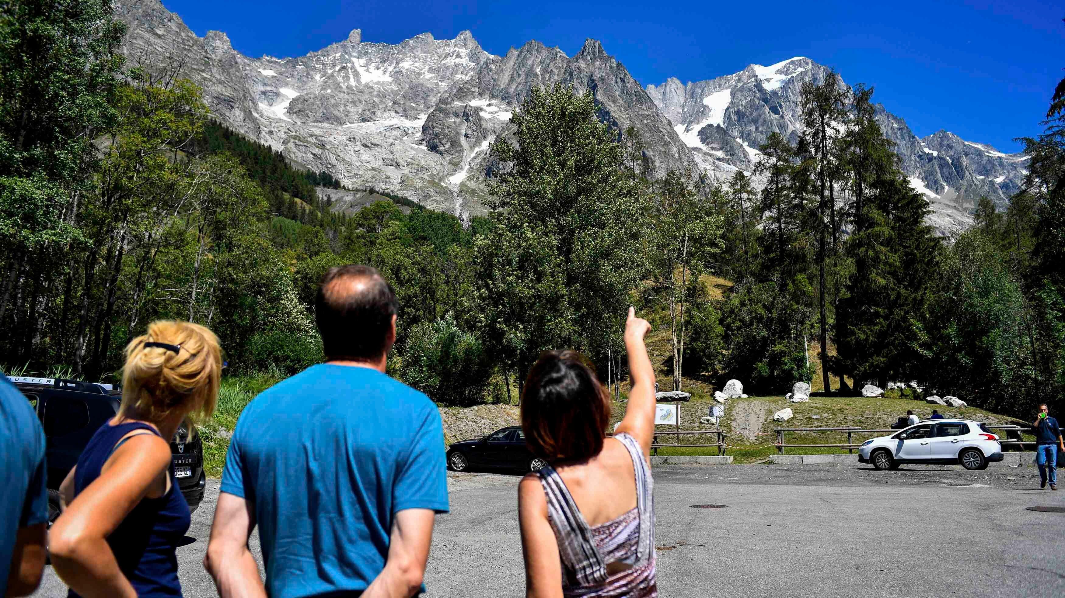 Residents Evacuated Over Fears of Melting Glacier on Italy's Mont Blanc