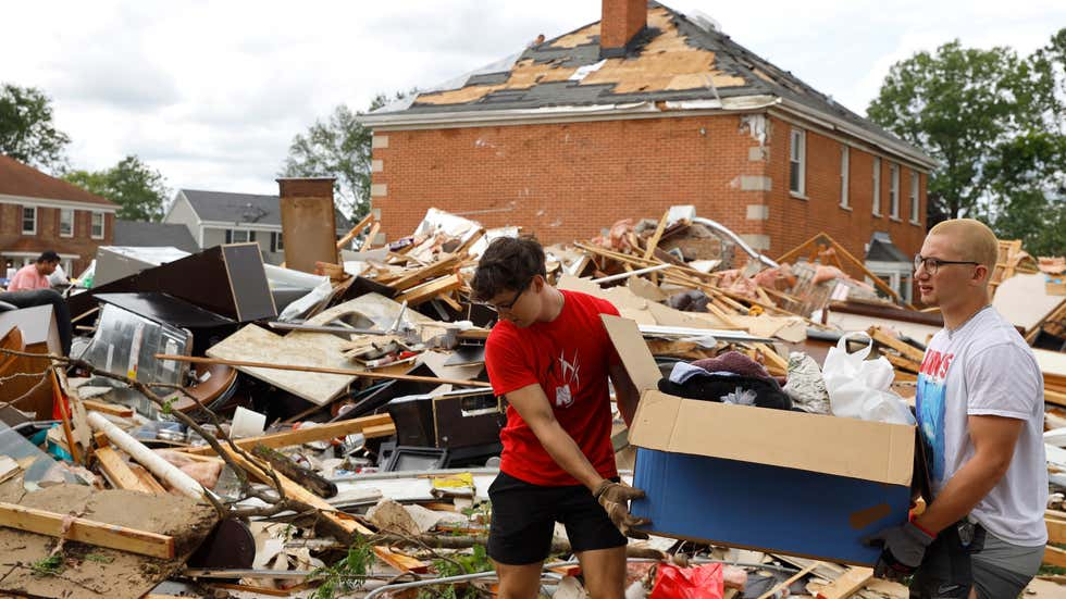Tornado Tears Through Chicago Suburbs, Causing Damage and Injuries | The Weather Channel - Articles from The Weather Channel | weather.com