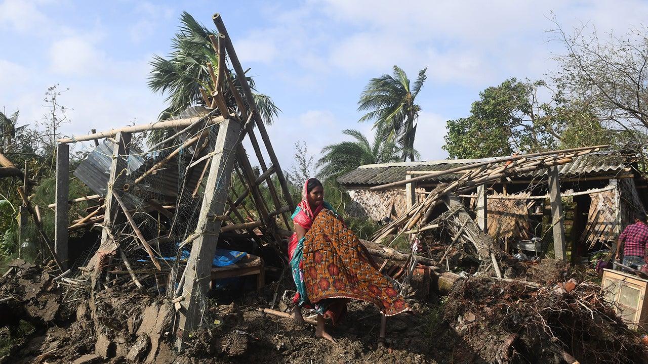 Cyclone Bulbul Kills 7 in India and 7 in Bangladesh