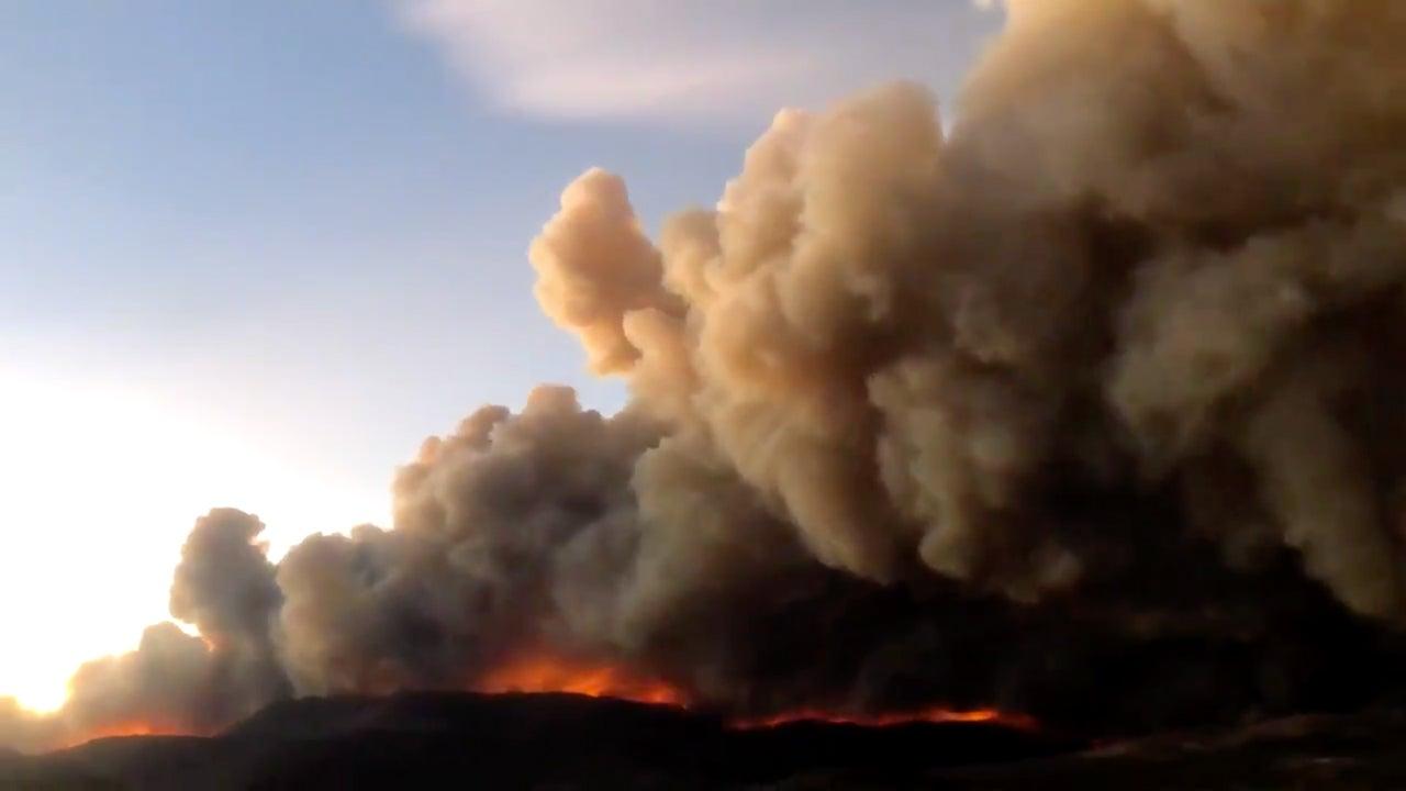Hundreds Flee Explosive Wildfire in Colorado