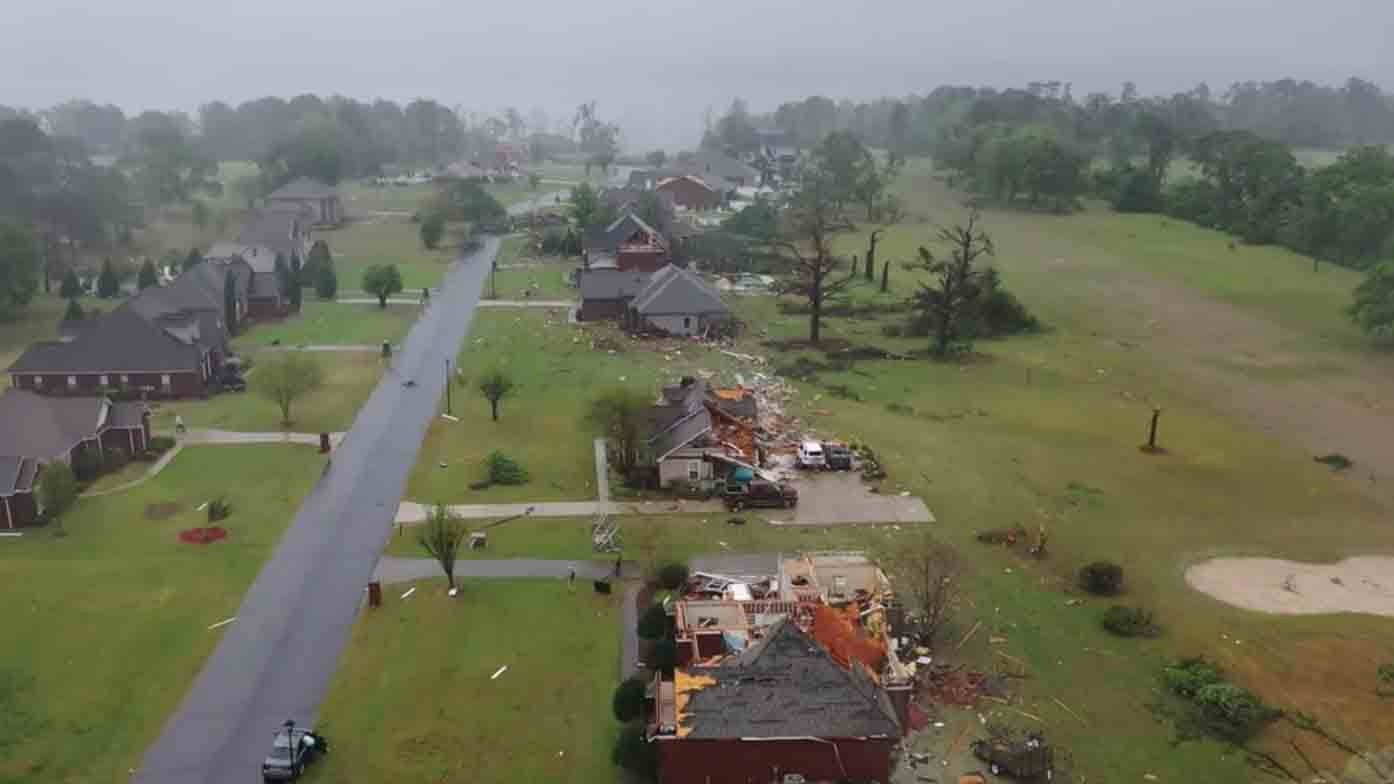 Homes Damaged as Tornadoes Strike Mississippi, Alabama