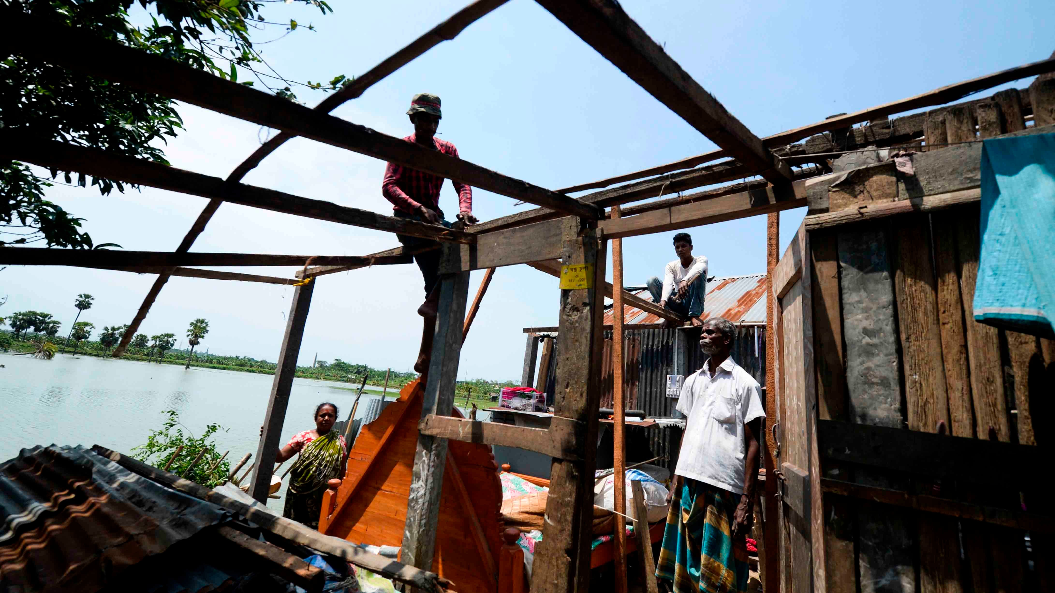Tropical Cyclone Amphan Kills More than 100 People in India, Bangladesh; Millions Displaced From Their Homes