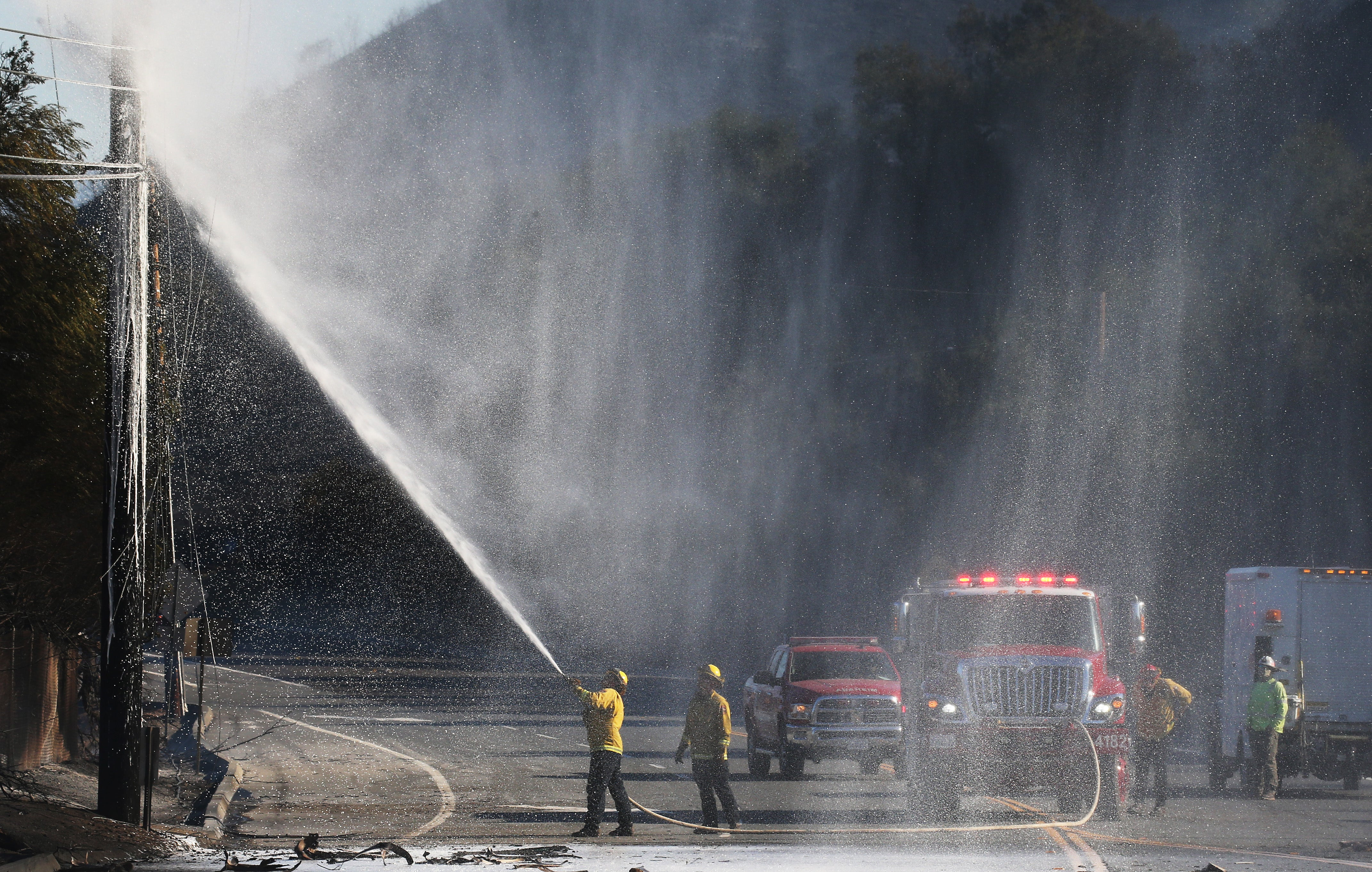 Firefighters Gain Upper Hand on Southern California Wildfire Fueled by Fierce Santa Ana Winds | The Weather Channel - Articles from The Weather Channel | weather.com