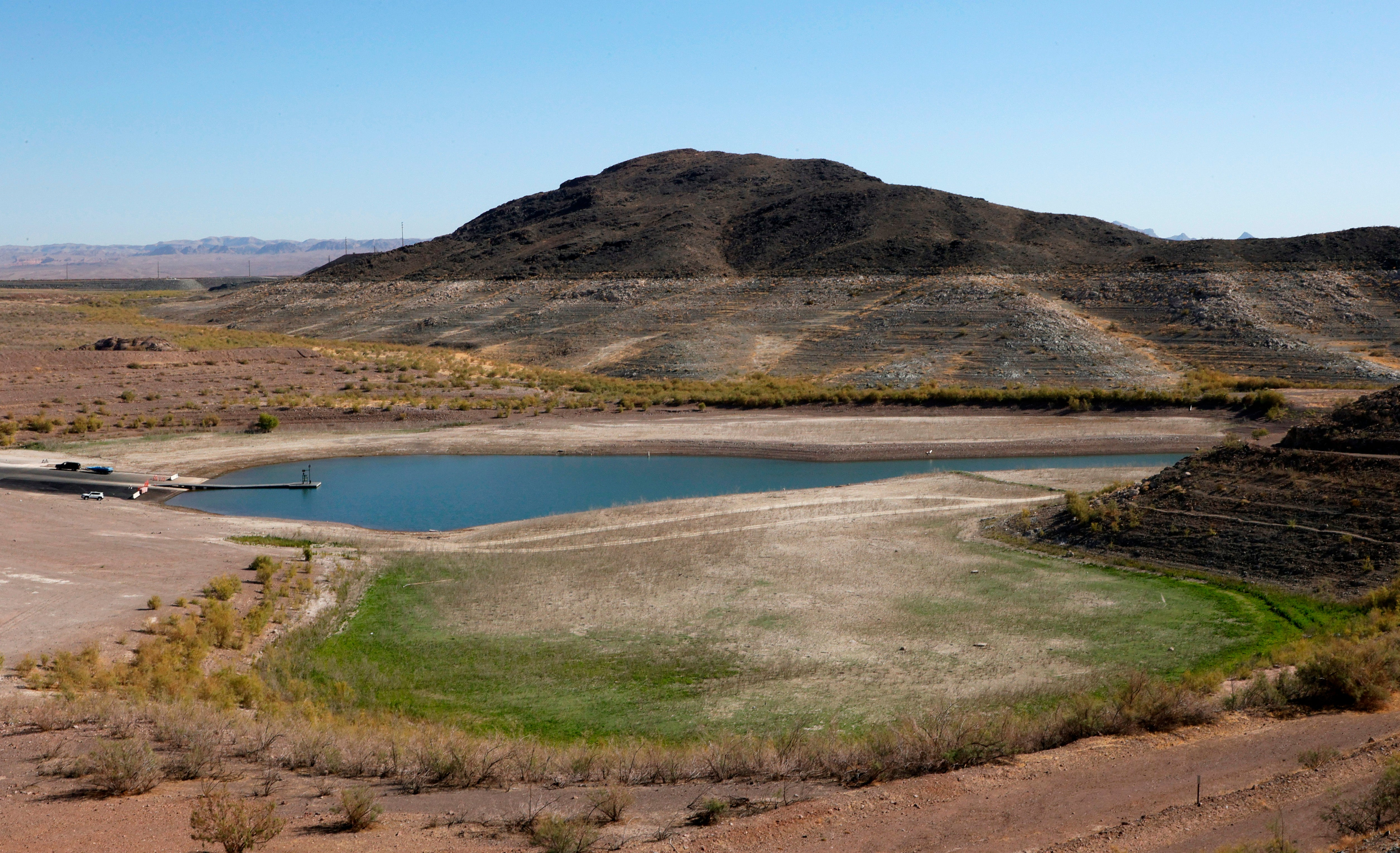 Before and After Images of Lake Mead Show How Devastating the West's Drought Really Is