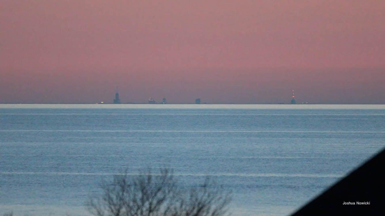 Chicago Skyline Visible 60 Miles Away in Michigan Due to Fata Morgana Phenomenon