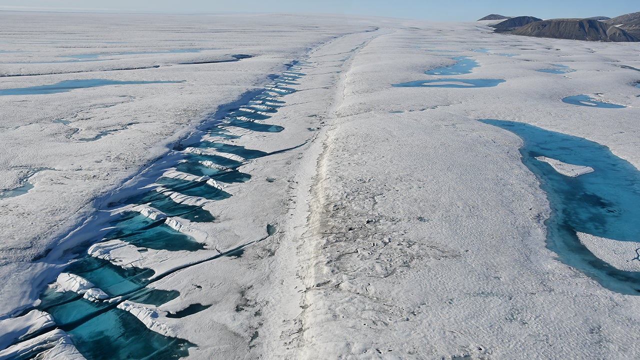 Iceberg the Size of Manhattan Breaks off Canada's Final Intact Ice Shelf