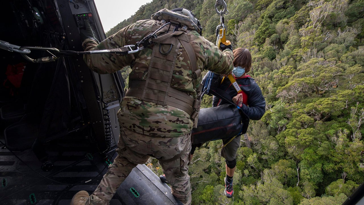 New Zealand Hikers Survive 19 Days Lost in the Wilderness by Making the Right Moves