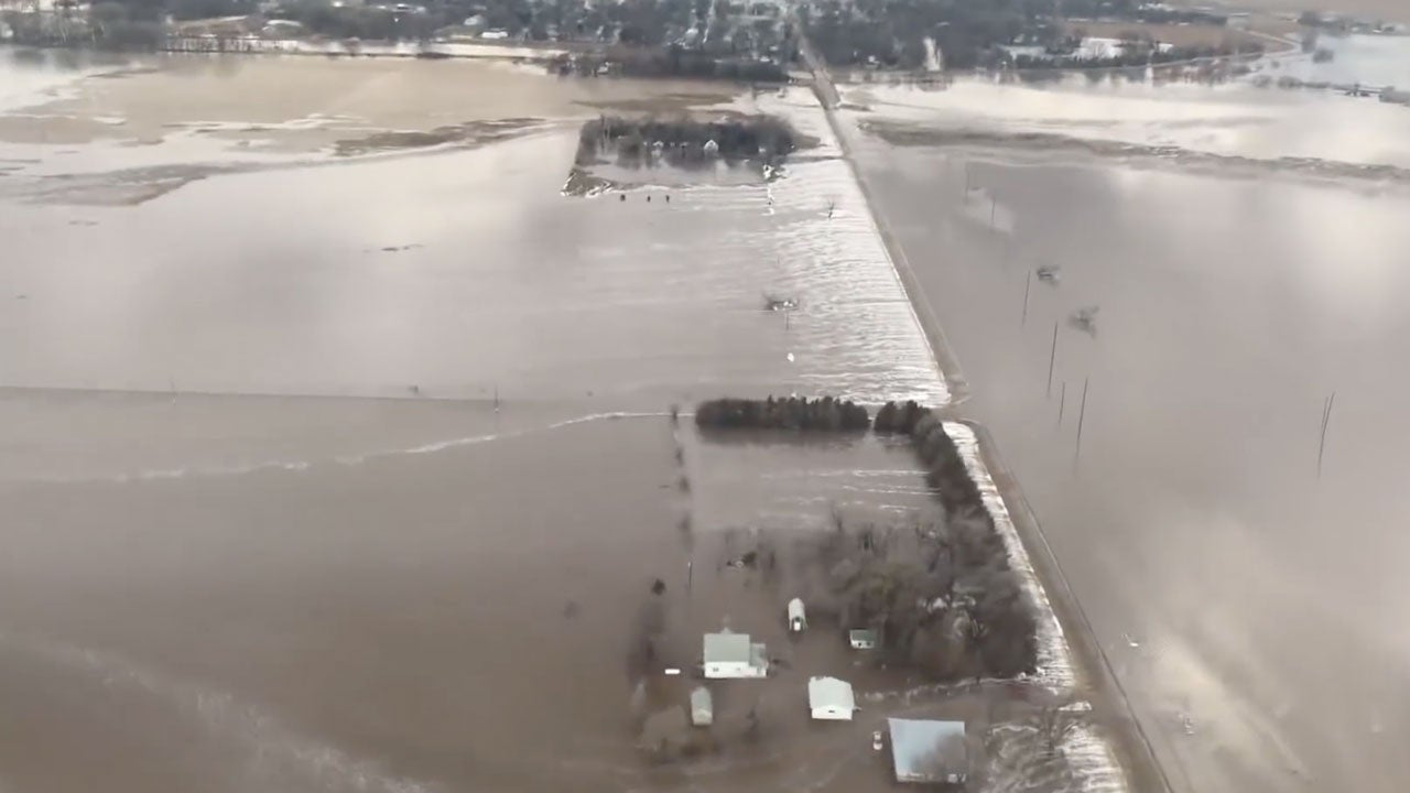 hundreds evacuated in historic flooding in nebraska as