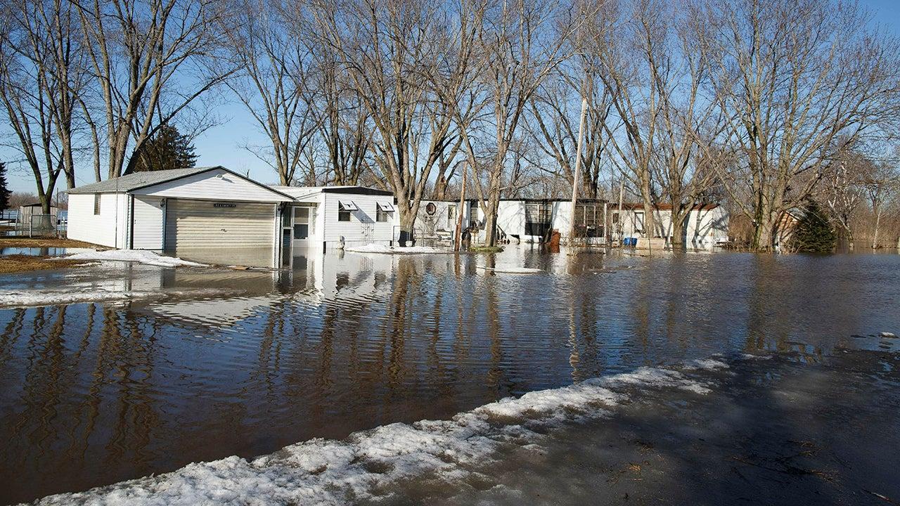 nebraska flooding triggers evacuations   u0026 39 compromises u0026 39  dams