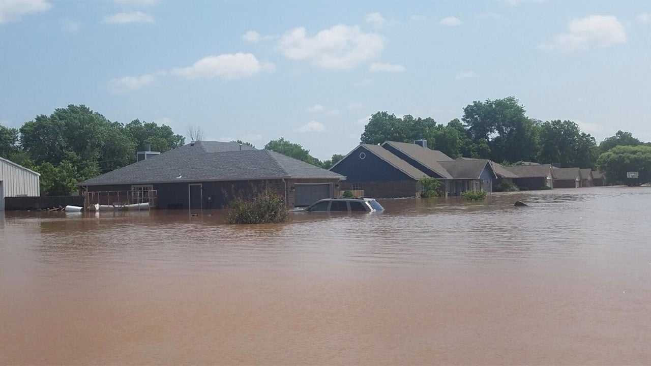 midwest  plains residents ordered from homes as rivers hit