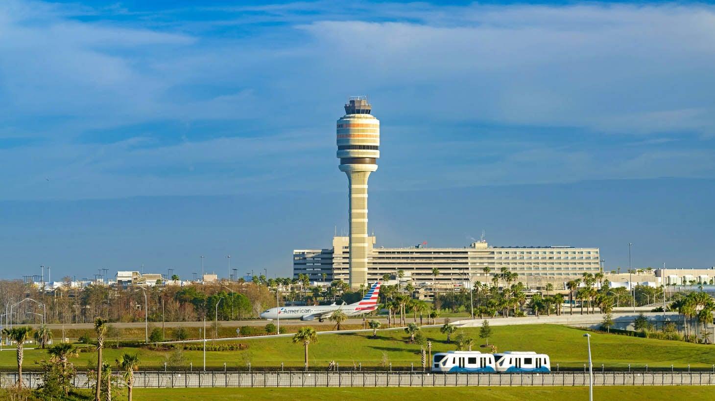 Resultado de imagen para Orlando Airport Hurricane Dorian