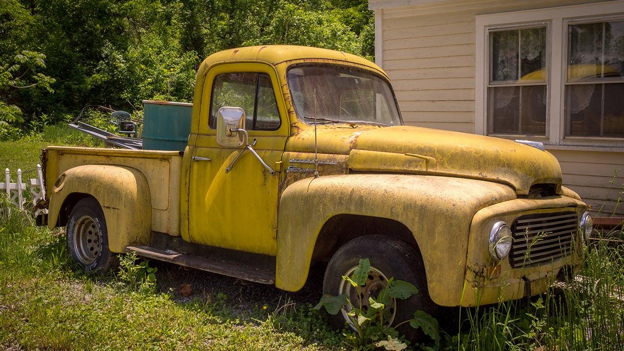 Photos Capture the Nostalgia of Abandoned Americana