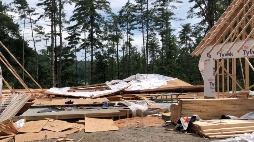 Two Killed, Two Injured in South Carolina Thunderstorm