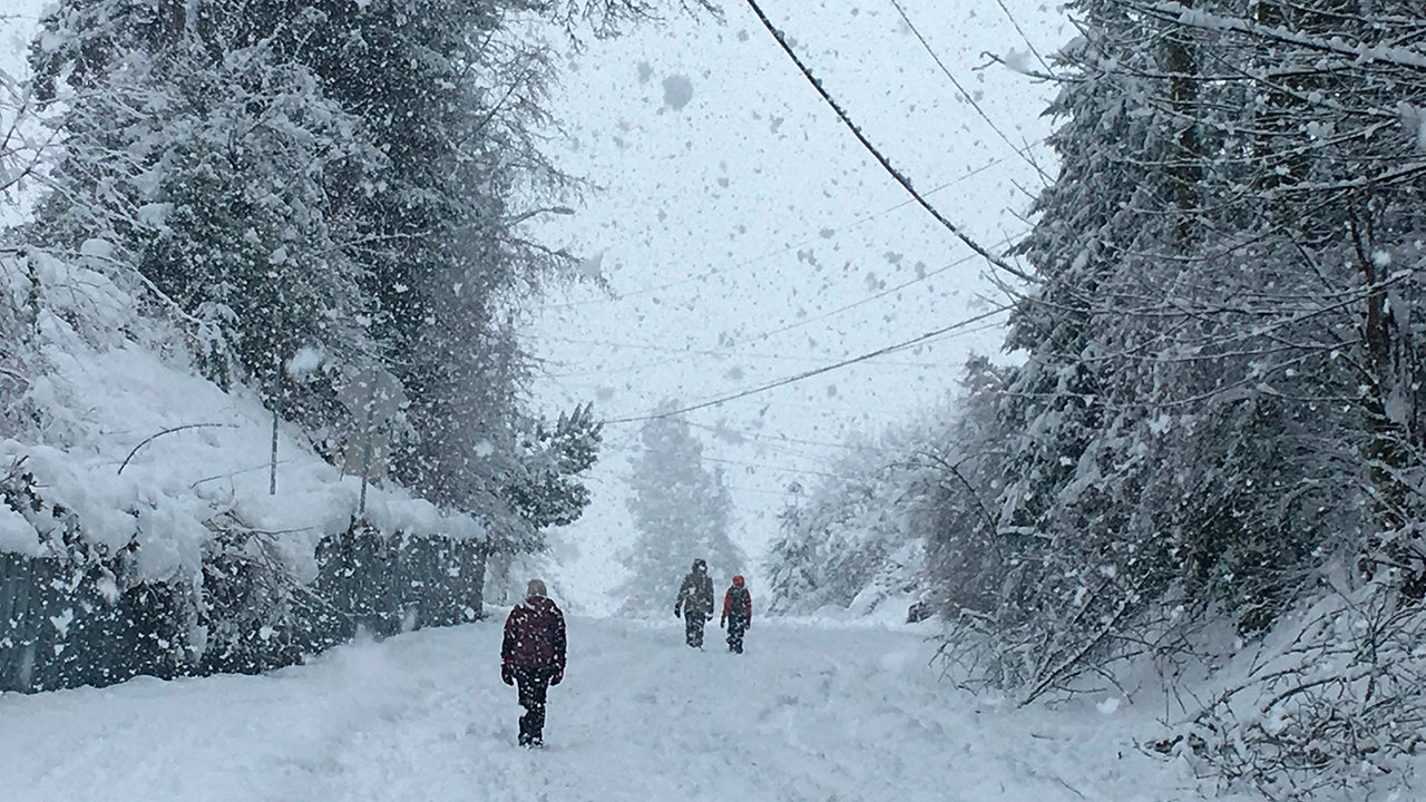 Nadia golpea a California y Sierra Nevada con lluvia y viento mientras trae nieve a las montañas del oeste