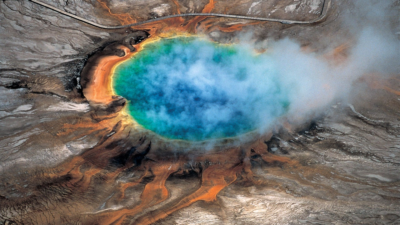 Scientists Make Stunning Discovery Beneath Yellowstone National ...