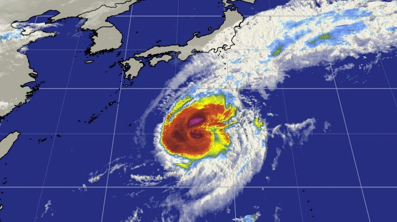 typhoon nuri slowly weakens  may reach alaska u0026 39 s aleutians