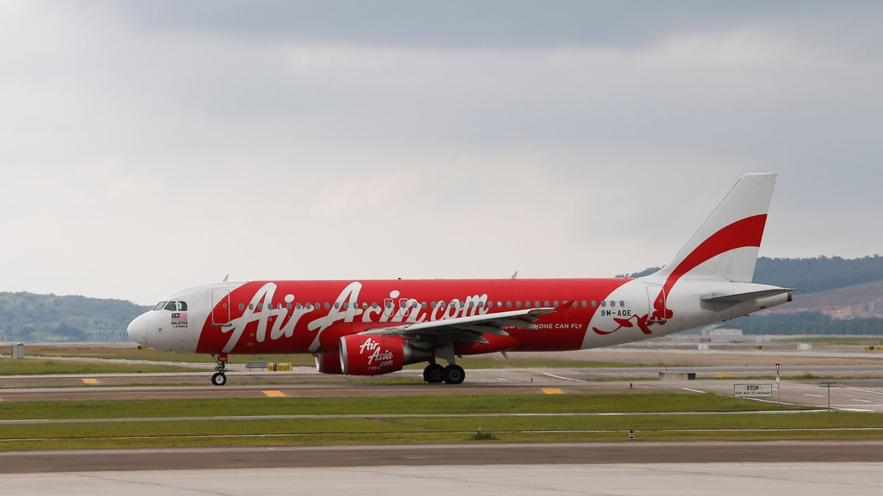 Search For Airasia Plane Expands Oil Objects Spotted In Java Sea Jakarta Singapore May Or Not Be From Missing The Weather Channel
